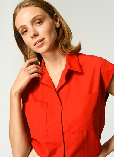NGSTYLE Kadın Kolsuz  Gömlek NGKSS21GM0007 Kırmızı